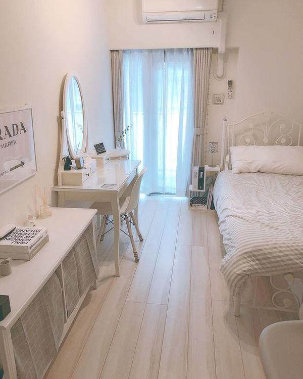 Cách bố trí phòng ngủ 12m2 thông thoáng với cửa sổ lớn hoặc cửa ra ban công