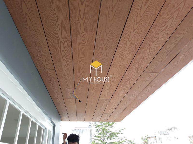 Ứng dụng của sàn gỗ công nghiệp - Ốp trần
