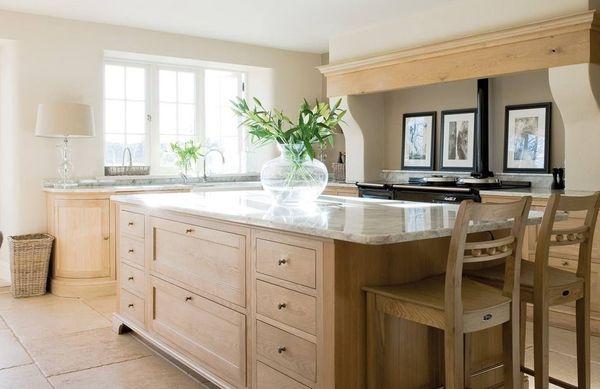 Ứng dụng của gỗ tần bì trong nội thất gia đình - tủ bếp, đảo bếp