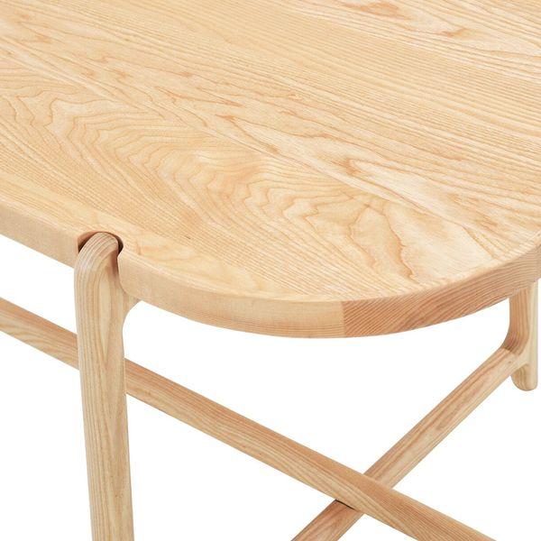 Ứng dụng của gỗ tần bì trong nội thất gia đình - Bàn gỗ tần bì
