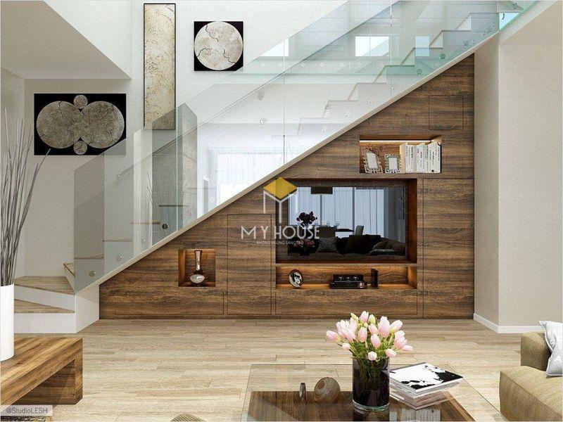 Thiết kế vách tivi phòng khách tận dụng gầm cầu thang