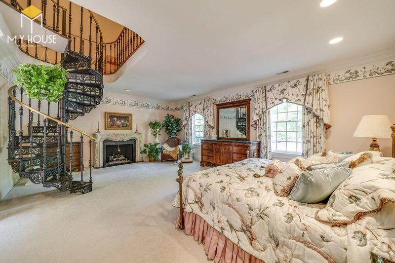 Phòng ngủ sang trọng nhất thế giới kết hợp cầu thang - Mẫu 12