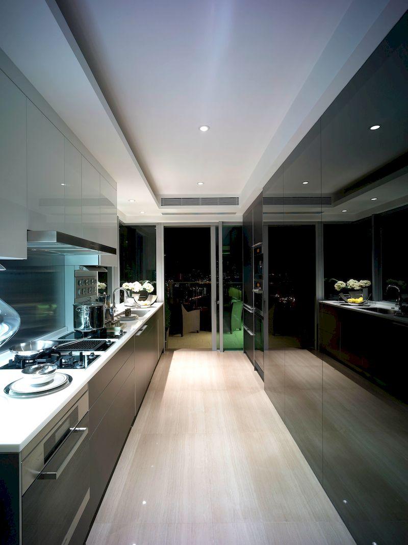 Tủ bếp cánh kính - Mẫu 09