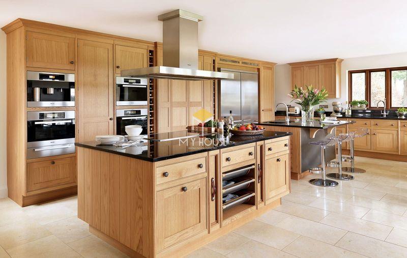 Tủ bếp gỗ tự nhiên loại nào tốt - Mẫu tủ bếp gỗ sồi 06